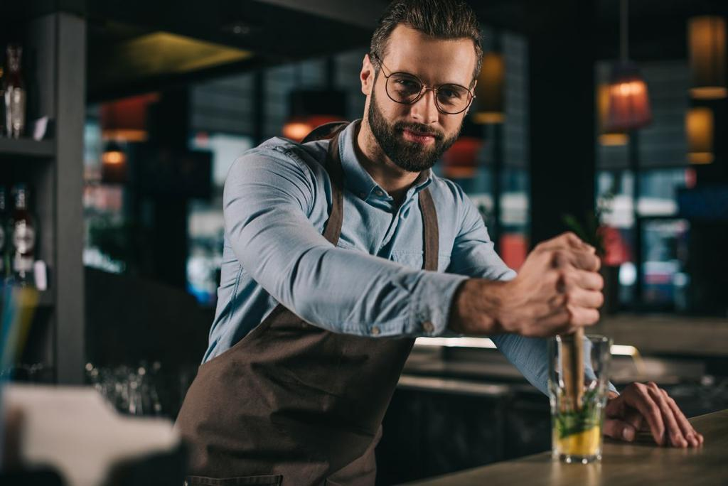 Barman Atelier Cocktails